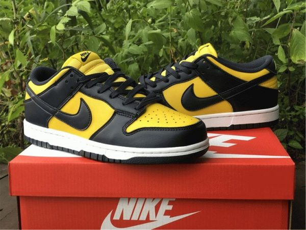 Nike Dunk Low Michigan Varsity Maize Navy lateral side