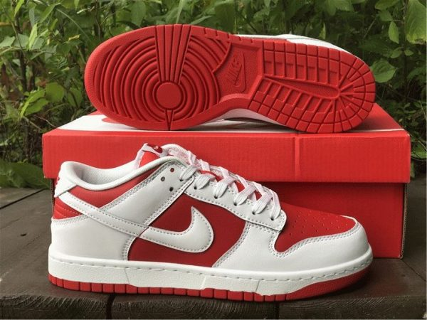 Nike Dunk Low White University Red underfoot