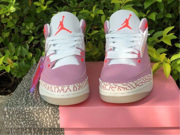 Wmns Air Jordan 3 Rust Pink tongue