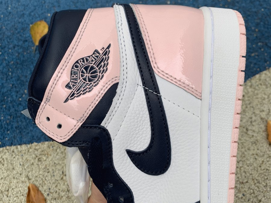 Air Jordan 1 High OG Atmosphere Bubble Gum sneaker