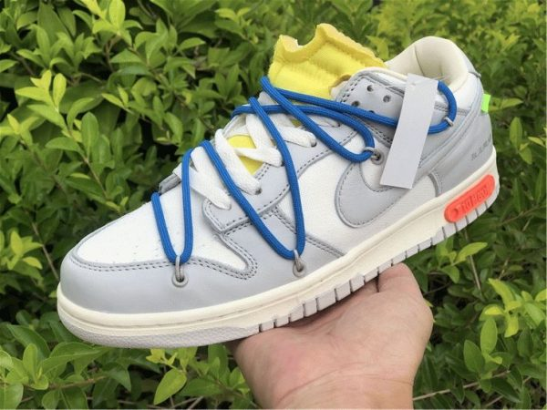 Off-White x Nike Dunk Low The 10 of 50 blue shoelaces