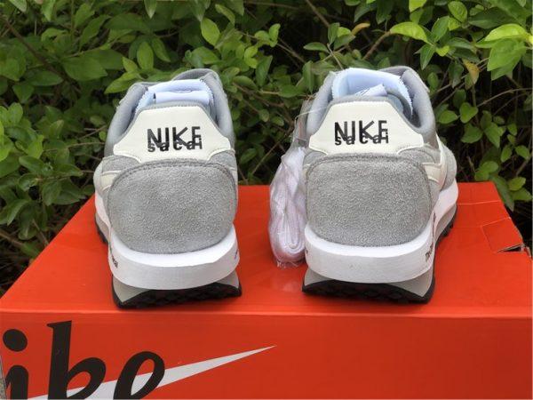 fragment x sacai x Nike LDWaffle Light Smoke Grey back heel