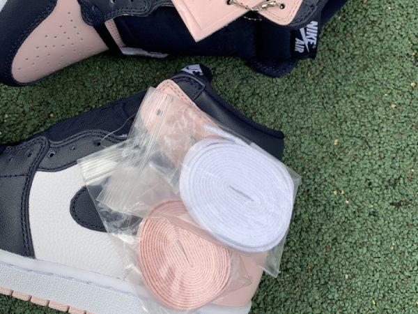 Air Jordan 1 High Bubble Gum Atmosphere laces