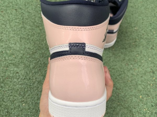 Air Jordan 1 High Bubble Gum heel